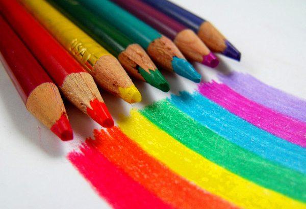 ¿Cómo influyen los colores en las decisiones de compra?